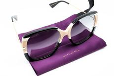 Amandine Optique Gignac, opticien en centre-ville vend des lunettes de marque (® SAAM fabrice CHORT)