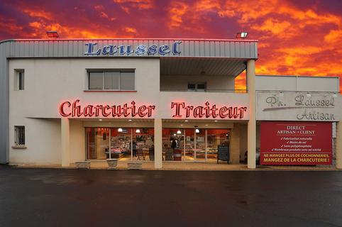 La charcuterie Laussel à Clermont l'Hérault propose des produits frais artisanaux et des plats cuisinés à emporter. (® SAAm fabrice CHort)