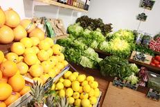 Chez Fabien Montpellier Primeur propose des fruits savoureux et sélectionnés dans le quartier des Beaux Arts au centre-ville (® Networld-fabrice chort)