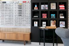 Opticien Narbonne chez Eyes Optic qui propose de l'optique à prix réduits (® SAAM fabrice Chort)