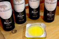 Histoire de Graines Montpellier vend des produits alimentaires comme de l'huile d'olive dans sa boutique du centre-ville ( ® SAAM-fabrice Chort)