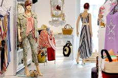Viviane Collection Gignac vend des vêtements pour femmes (® SAAM fabrice CHORT)