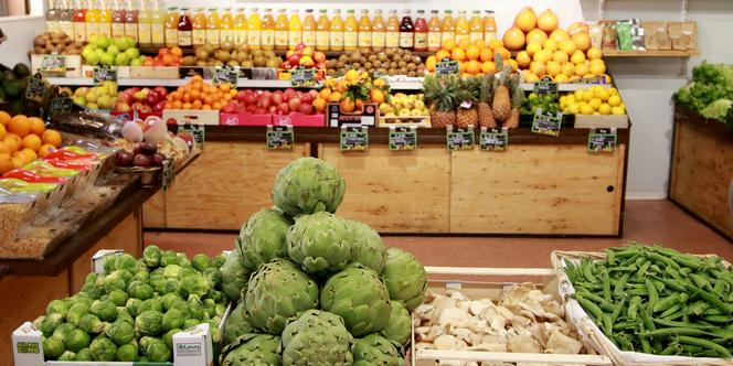 Le primeur Chez Fabien Montpellier vend des fruits, des légumes et aussi des fruits secs.(® SAAM fabrice Chort)