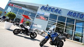 Jusqu'à fin juin, Pascal Moto Montpellier vous offre la TVA sur tous les accessoires !