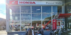 Pascal Moto Montpellier présente 4 nouveaux modèles de ses marques Honda et Triumph