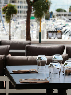 La Plancha Carnon est un restaurant avec une cuisine fait maison à base de produits frais qui affiche une carte autour des poissons et des grillades.(® SAAM-fabrice Chort)