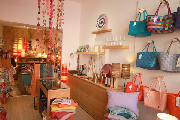 atelier accessoire montpellier mode d co cadeaux montpellier shopping. Black Bedroom Furniture Sets. Home Design Ideas