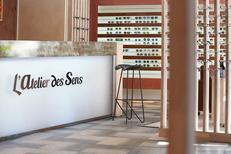 Opticien Montpellier centre Atelier des Sens sur boulevard du Jeu de Paume (® SAAM-Fabrice Chort)