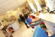 Coiffure Lunel chez Beauté Coiffure Maria qui propose un Salon lumineux (® NetWorld-Fabrice Chort)
