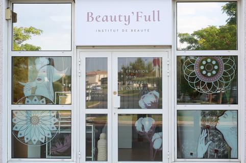 Institut Saint Gely du Fesc Beauty'full dans la galerie marchande extérieure d'Intermarché  (® SAAM - Fabrice Chort)