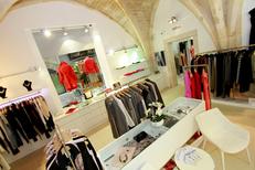 Belle et Fée Max Mara Montpellier vend ses articles dans une magnifique boutique au centre-ville (® NetWorld-Fabrice Chort)
