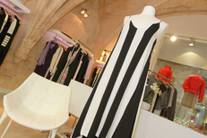 Belle et Fée Montpellier Max Mara propose des vêtements Femme haut de gamme proche de la rue Foch au centre-ville (® NetWorld-Fabrice Chort)