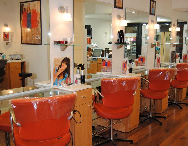 Camille albane coiffure femme ou mixte grand rue for Salon de coiffure la grande motte