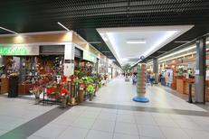 Galerie marchande Leclerc Saint Aunes avec ses 40 boutiques et restaurants (® NetWorld-Fabrice Chort)