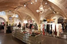 Coqueline Boutique Montpellier propose des vêtements Femme luxe haut de gamme en centre-ville (® SAAM-fabrice Chort)