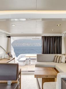 EDS-SUD Montpellier réalise vos banquettes sur mesure pour les professionnels ainsi que pour les particuliers comme les banquettes de bateaux (® EDS-SUD)