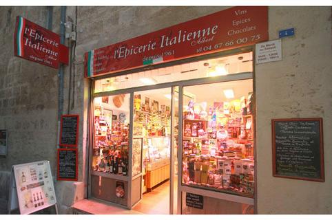 Epicerie italienne Albert Montpellier proche de l'Ancien Courrier au centre-ville (® networld-fabrice Chort)