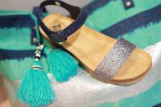 Erbé Pérols Chaussures vend des chaussures de marques dans la galerie marchande d'Auchan ici des sandales Femme (® SAAM-fabrice Chort)