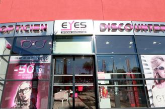 Eyes Optic Castelnau le Lez opticien discounter vend des montures, des solaires, des lentilles et des verres à prix réduits à l'Aube Rouge près de Montpellier. (® networld-Fabrice Chort)