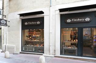 Chaussures Homme Montpellier chez Finsbury Montpellier qui vend des chaussures haut de gamme pour les hommes et des accessoires au centre-ville  (® SAAM-Fabrice.Chort)