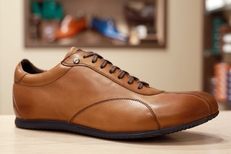 Magasin chaussures Homme Montpellier chez Finsbury Montpellier ici en photo des chaussures en cuir tendance casual (® SAAM-Fabrice Chort)
