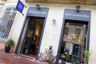 Have a nice day Montpellier est un concept store avec des vêtements Femme, accessoires de mode et objets déco en centre-ville (® networld-fabrice Chort)