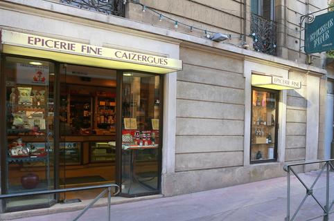 Epicerie fine Montpellier L'Epicerie de François avec des produits de qualité à manger, à boire et à offrir en centre-ville dans le quartier des Arceaux (® SAAM-fabrice chort)