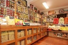 Epicerie italienne Albert Montpellier vend des spécialités italiennes proche de l'Ancien Courrier au centre-ville de Montpellier (® networld-fabrice Chort)