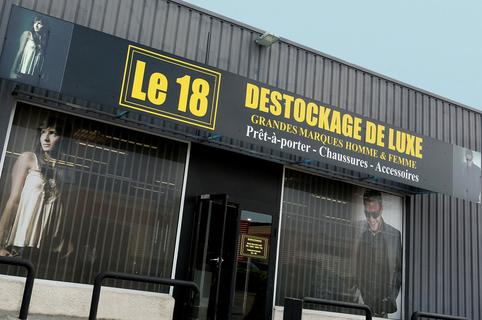 Le 18 Castelnau le Lez propose des vêtements de luxe à prix discount à l'Aube Rouge près de Montpellier (® networld – fabrice Chort)