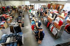 Déstockage de vêtements de marques près de Montpellier au 18 Castelnau le Lez à l'Aube Rouge (® networld – fabrice Chort)