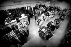 Le 18 Castelnau le Lez annonce des remises de -20% à -70% sur les articles signalés de la collection Automne-Hiver 2016-17 (® networld-fabrice chort)