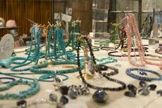 Globe Trotteur Montpellier propose des bijoux en pierres fines et minéraux au centre-ville (® networld-Sabrina Boirel)