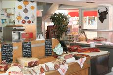 Le Grau Gourmand du Grau du Roi sélectionne les charcuteries artisanales au centre commercial Le Port Royal (® networld-Fabrice Chort)