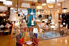 Luminaires Montpellier chez Luminaires Boudard Montpellier avec des lustres, des lampes design et autres luminaires au centre-ville (® SAAM - Fabrice Chort)