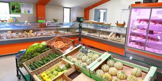 Maison Pourthié Candillargues Producteur de volailles et de poulets fermiers aux portes de Mauguio et Montpellier vend les volailles entières, découpées et des produits régionaux. (® SAAM-fabrice Chort)