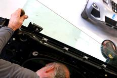Mondial Pare Brise Lattes spécialiste du remplacement de vitrage a une équipe de professionnels aux portes de Montpellier (® SAAM-Fabrice Chort)