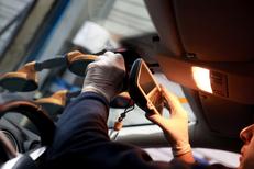Mondial Pare Brise Lunel dédié au Remplacement pare-brise Lunel et aux travaux sur vitrage auto (® SAAM-fabrice Chort)