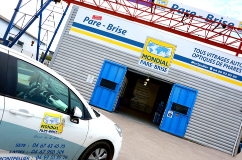 Mondial Pare Brise Montpellier dédié au changement de pare-brise, à la réparation de vitrage automobile et remplacement si nécessaire à Garosud Montpellier. (® SAAM- Fabrice Chort)