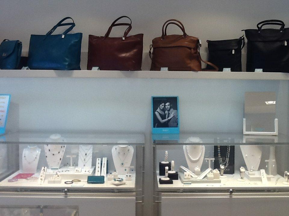 Murat paris accessoires de mode quartier com die montpellier - Paris store saint jean de vedas ...