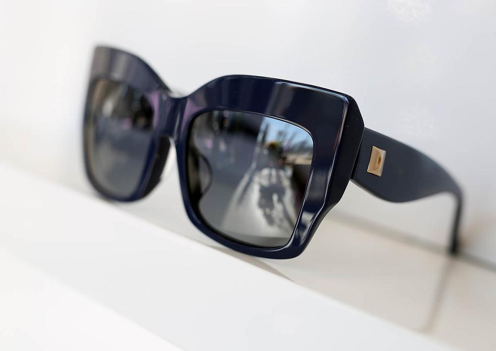 1ce1b7a3c5 ... Optical Discount Opticien vend des Solaires à Montpellier Port  Marianne.( ® SAAM-fabrice