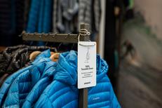Patagonia Montpellier propose un grand choix de doudounes et de vestes pour la Montagne (® Raphaël Fourau-Patagonia)