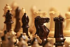 Pomme de Reinette Montpellier présente de beaux jeux d'échecs ou autres jeux de réflexion au centre-ville dans la Rue de l'Aiguillerie (® networld - Fabrice Chort)