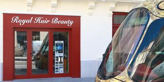 Royal Hair Beauty Montpellier Coiffure afro, extensions de cheveux, cosmétiques et perruques sur le boulevard du Jeu de Paume au centre-ville (® NetWorld - Fabrice Chort)