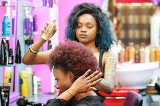 Salon de coiffure afro Royal Hair Beauty Montpellier sur le Boulevard Jeu de Paume au centre-ville (credits photos: NetWorld- Fabrice Chort)