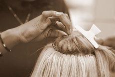Tresses africaines et extensions de cheveux au salon Royal Hair Beauty Montpellier sur le Boulevard Jeu de Paume au centre-ville (credits photos: NetWorld- Fabrice Chort)