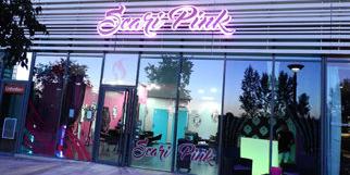 Scari Pink Montpellier Salon de coiffure spécialisé dans les coiffures multicolores et les couleurs à Port Marianne (® scari pink)