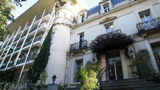 La clinique Le Castelet de Saint Jean de Védas vous annonce la mise à jour de son site internet(® SAAM-fabrice Chort)