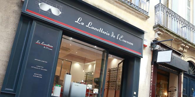 La Lunetterie de l'Ecusson Montpellier Opticien en centre-ville propose des montures sur mesure.(® SAAM-fabrice CHort)