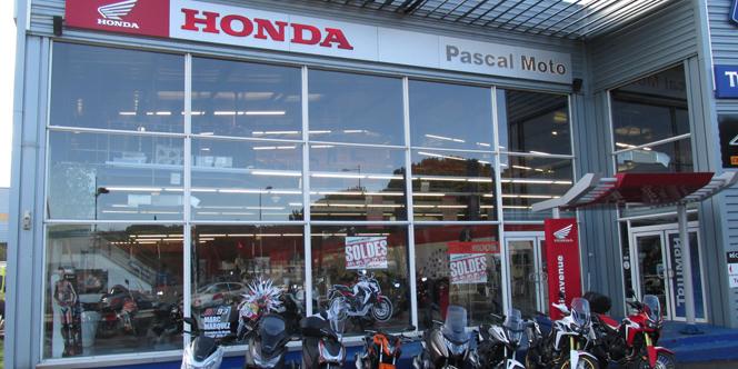 moto honda montpellier essai chez pascal moto montpellier shopping. Black Bedroom Furniture Sets. Home Design Ideas