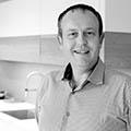 Atelier C Clapiers Magasin de cuisines haut de gamme à Montpellier vend des cuisines Leicht avec différentes personnalisations et est dirigé par Nicolas Gasquiel. (® SAAM-fabrice Chort)